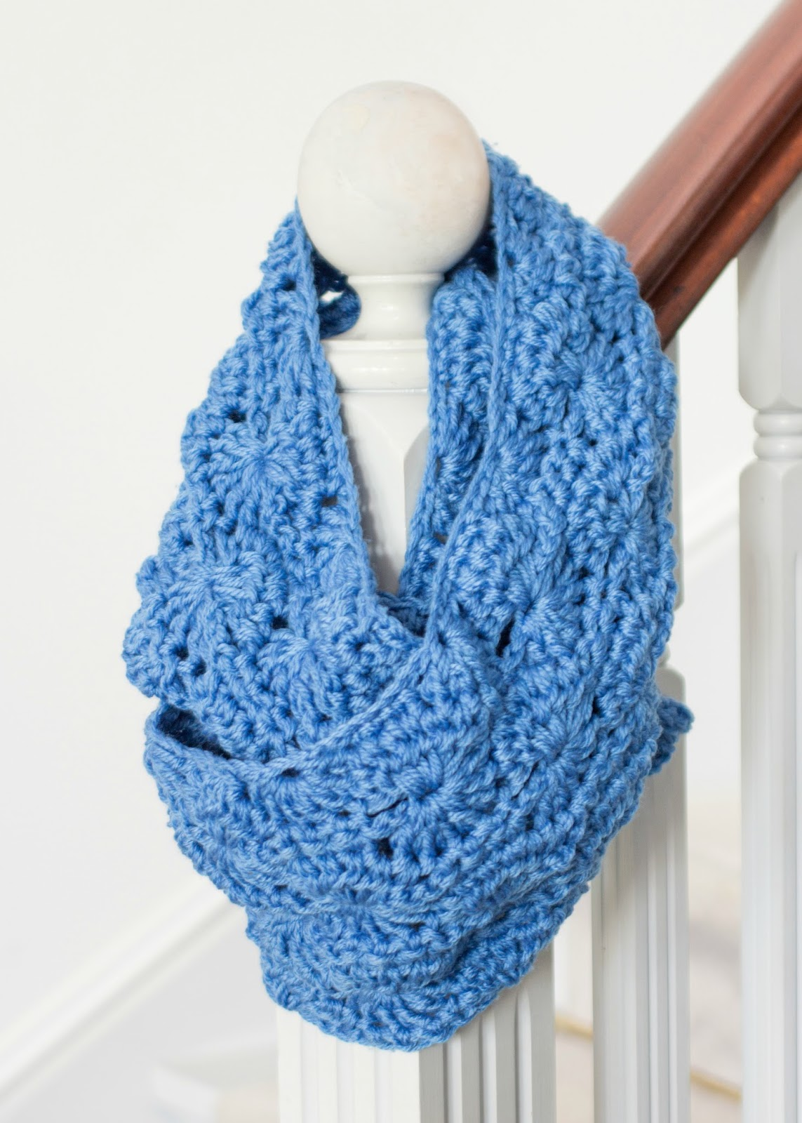 Chunky Infinity Scarf - Free Crochet Pattern
