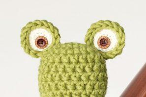 Newborn Frog Hat Crochet Pattern