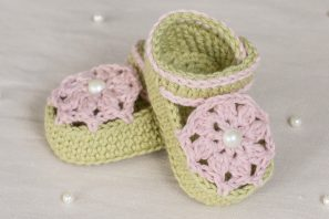 Ice Cream Swirl Baby Booties – Crochet Pattern + Giveaway