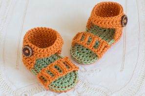 Honeysuckle Baby Sandals Crochet Pattern