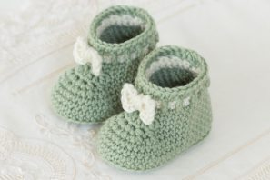 Mint Macaroon Baby Booties Crochet Pattern