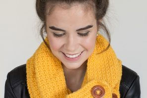 Honeycomb Button Scarf – Crochet Pattern + Giveaway