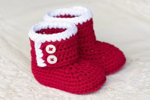 Santa Baby Ankle Booties Crochet Pattern