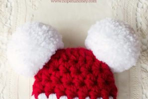 Baby Santa Claus Pompom Hat – Free Crochet Pattern