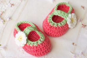 Tootsie Fruity Baby Booties – Crochet Pattern + Giveaway