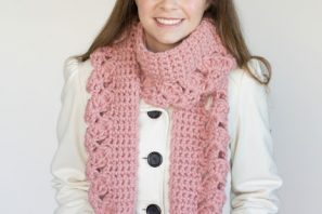 Pink Lemonade Scarf – Giveaway + Crochet Pattern