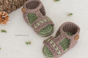 Apple Orchard Baby Sandals Crochet Pattern